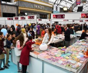 Kitap fuarını 10 günde 75 bin kişi ziyaret etti