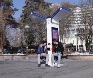 Büyükşehir'den ücretsiz şarj istasyonu