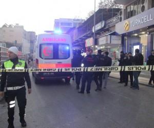 Kilis Valisi Mehmet Tekinarslan roketin düştüğü bölgede inceleme yaptı
