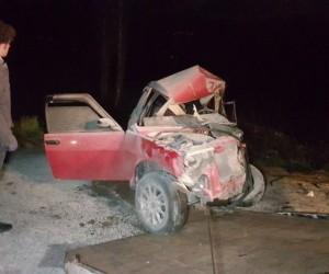 Minibüs ile otomobil kafa kafaya çarpıştı: 5 yaralı