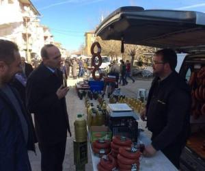 Başkan Başer ve AK Parti İlçe Başkanı Demirel, pazar esnafını ziyaret etti