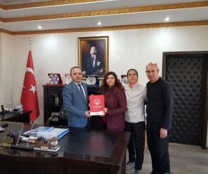 Burhaniye'de Kaymakam Öner'e sporcu teşekkürü