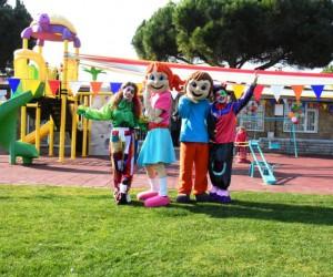 Süleymanpaşa Çocuk kulübü Yarıyıl Tatil Şenliği ile çocukların yüzünü güldürdü