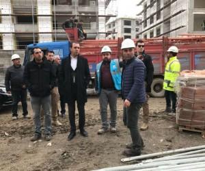 Başkan Bedirhanoğlu, yapımı devam eden konutları inceledi