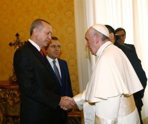 Cumhurbaşkanı Erdoğan, Papa Francis görüşmesi sona erdi