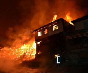 Kastamonu'da 8 ev küle döndü: 1 ölü