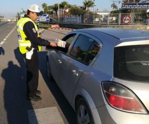Sürücüler kazalara karşı afiş ve broşürlerle bilgilendiriliyor