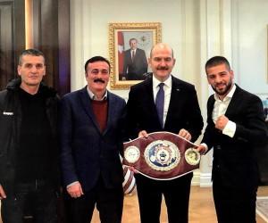 Süleyman Soylu'dan boks sporuna destek