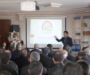 Ahlat'ta 'buzağı ölümlerinin önlenmesi' toplantısı