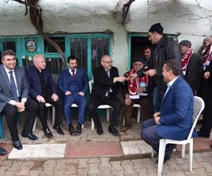 Başkan Ergün Kula'da büyük ilgi gördü