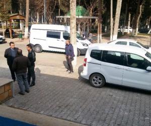 Otomobile kurşun yağdırdılar: 2 ölü
