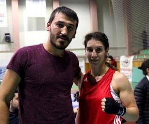 7 kez Türkiye şampiyonu olan Milli Boksör Sema Çalışkan destek beliyor