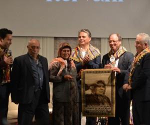 Mehmetçiğe kurban kesen Döndü Deveci'ye 'Yılın Yörük Anası' ödülü