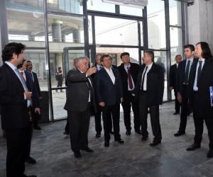 Davutoğlu'ndan Necmettin Erbakan Üniversitesine ziyaret