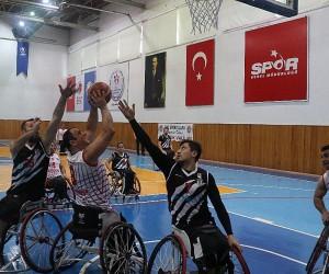 Tekerlekli Sandalye Basketbol Süper Ligi: K. Karabükspor: 69 - Beşiktaş RMK Marine: 73