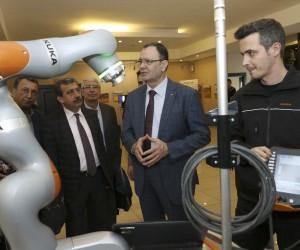 Mersin'de 'endüstri 4.0 ve geleceğin teknolojileri' tanıtıldı