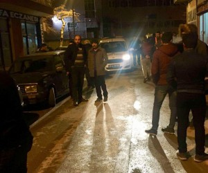 Ehliyetsiz sürücü 5 araca birden çarpıp kaçtı