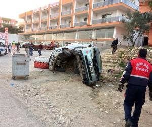 Kontrolden çıkan otomobil, park halindeki araca çarptı: 1 ölü