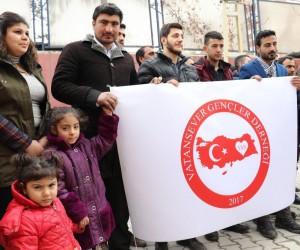 Vanlı vatansever gençlerden Mehmetçiğe destek