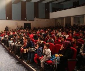 Mardin'de 'Çocuk Gülerse Şehir Güler' tiyatrosu