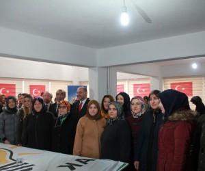 Domaniç AK Parti İlçe Kadın Kolları Başkanlığı'na Ergül Yiğit seçildi