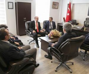 Başhekim Prof. Dr. İlhami Çelik görevini teslim aldı