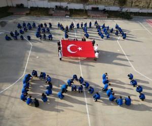 Öğrencilerden 'Zeytin Dalı Herakatı' mesaj