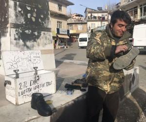 (Özel haber) Ayakkabı boyacısından Afrin'deki Mehmetçiğe destek