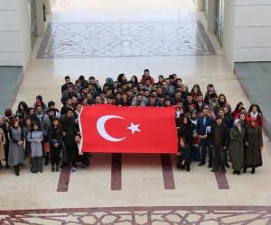 AÜ Öğrencilerinden Mehmetçiğe mesaj