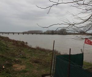 AFAD ekipleri, Meriç Nehri'ni didik didik tarıyor