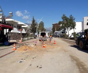 Kemer Deniz Caddesi sezona hazır
