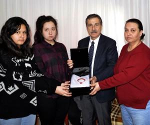 Başkan Ataç, Eskişehirli şehit Serdar Ege'nin ailesini ziyaret etti
