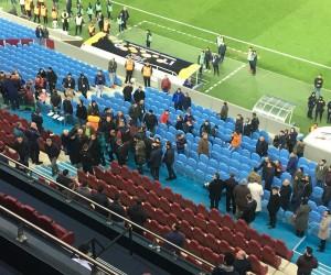 Trabzonsporlu yöneticilerle taraftarlar arasında tartışma yaşandı