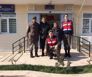 Hurda toplayarak geçimini sağlayan engelli aileden Afrin'e anlamlı yardım