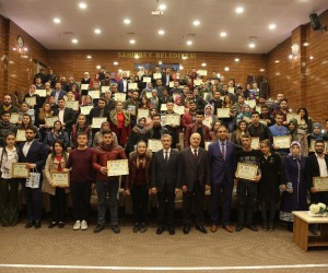 Evlilik okulu'ndan 81 çift daha sertifikalarını aldı