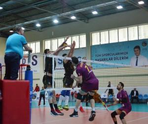 Efeler Ligi: Jeopark Kula Belediyespor: 1- Galatasaray: 3