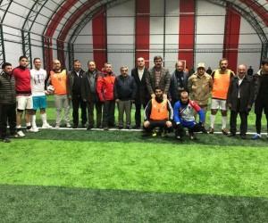 Hanak kurumlar arası futbol turnuvasının başlama vuruşunu Baydar yaptı