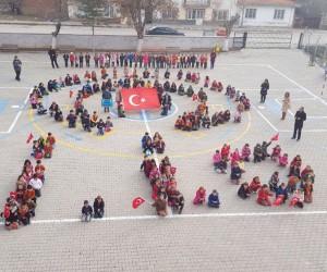 Minik ellerden Afrin için zafer duası