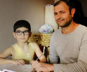 9 yılda 7 kez ameliyat olan Berat çare arıyor
