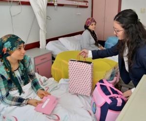 Diyar Masa ekipleri 'Hoş Geldin Bebek' paketi dağıttı