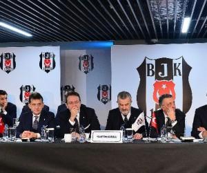 """Fikret Orman: """"Vardar Ovası şarkısı çalalım diyenler oldu, Beşiktaş'a yakışır mı"""""""