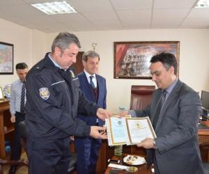 Emniyet Müdür Aytaç Ayhan'a üstün başarı belgesi
