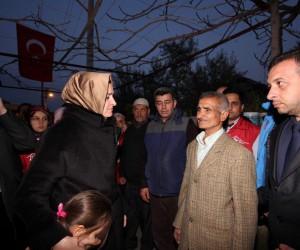 Bakan Kaya Afrin şehidinin evini ziyaret etti
