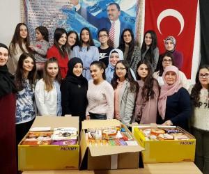 Alperen kızlardan Mehmetçik'e destek