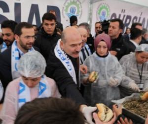 İçişleri Bakanı Süleyman Soylu, hamsi şölenine katıldı