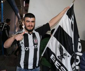 Beşiktaş Çarşı Van Derneği'nin derbi sevinci