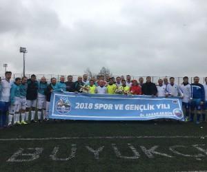 Başkan Akgün, Türkiye Veteranlar Ligi'nde sahaya indi