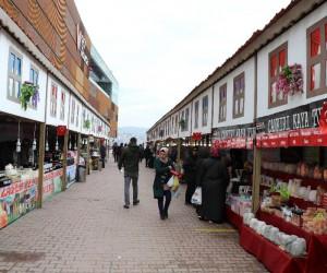 Türkiye'nin yöresel tatlarını alışveriş merkezine taşıdılar