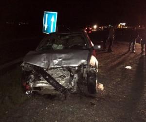 Alaşehir'de otomobiller kafa kafaya çarpıştı: 5 yaralı