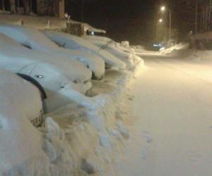 Uludağ'da kar kalınlığı bir buçuk metreye yaklaştı